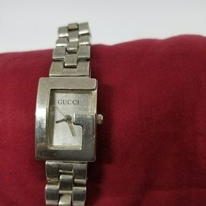 2e1664ea02f Women s Vintage Gucci Ladies Watch on Poshmark